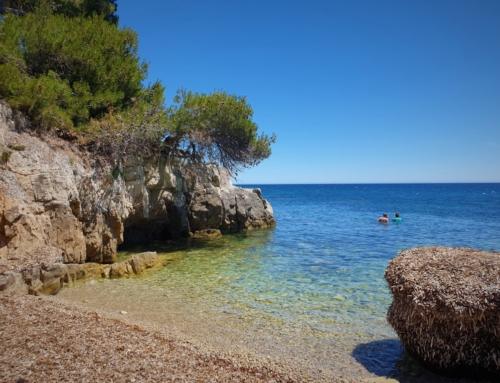 Île Sainte-Marguerite och en konstinstallation under havets yta